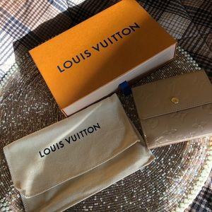 Louis Vuitton Monogram Vernis Elise wallet:)